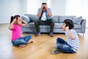ילדים רבים ואבא מיואש