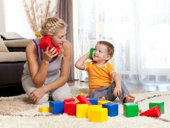 אמא ובן משחקים